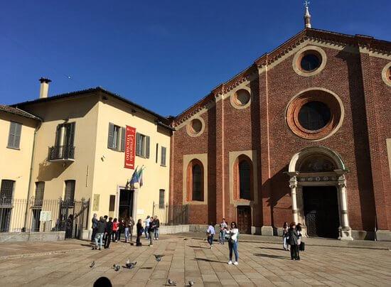piazza sant'ambrogio milano