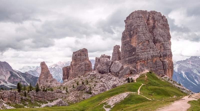 Le Cinque Torri e Nuvolau, con giro dell'Averau