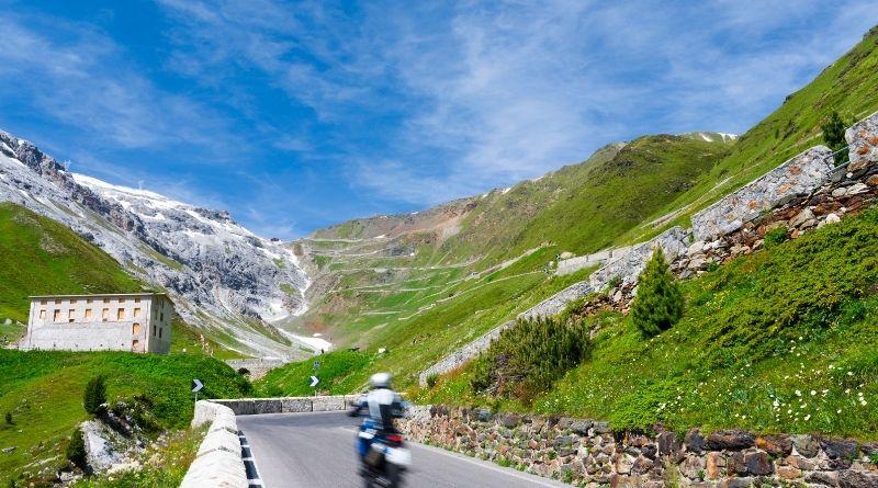 itinerari in moto nelle Dolomiti